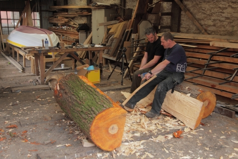 Mark and Seamus discussing tools at Meitheal Mara on the first day of crafting back in July 2015.