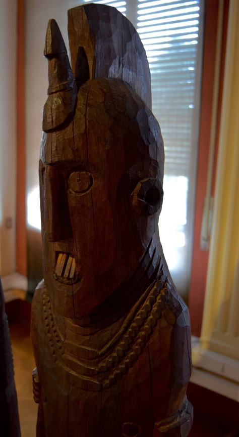 Photo by Suzi Richer. The head of one of the victims of the hero on display in the Ethnographic Museum.